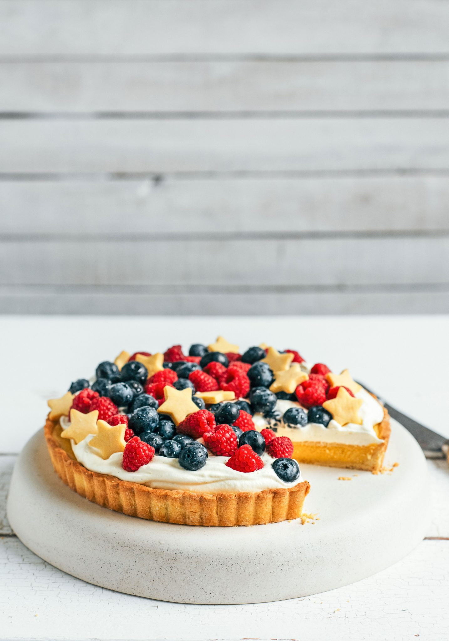 christmas white chocolate & berry tart – Stuck in the kitchen